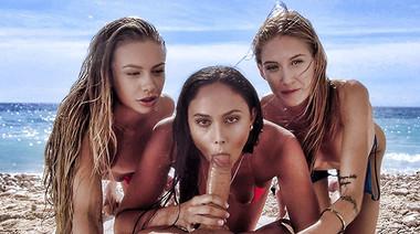 Подружки исполняют групповой минет и долбятся с парнем на пляже
